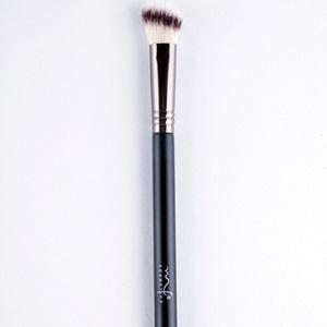 Brocha Angular de Precisión YX1224 Marifer Cosmetics
